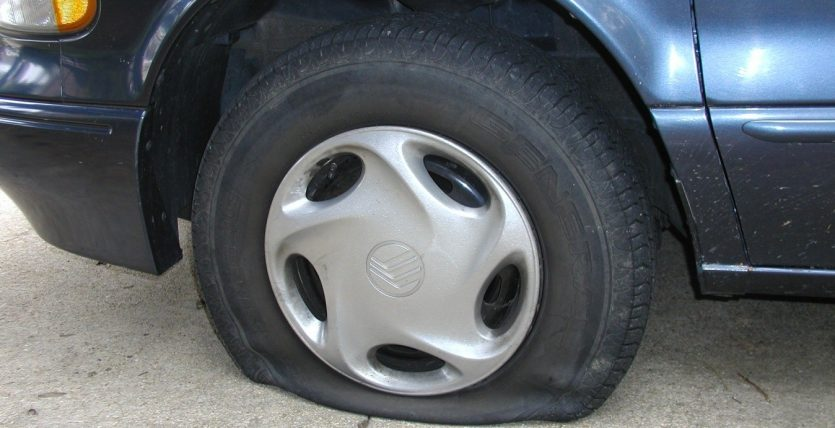 How to Replace Car Tyre in A Proper Way