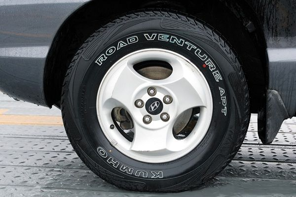 Kumho Road Venture APT KL51 – An All-Season Korean Tire